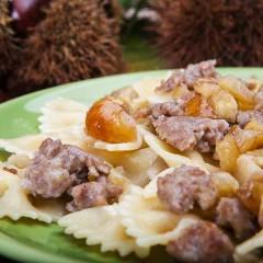 Farfalline-con-salsiccia-e-castagne_evidenza