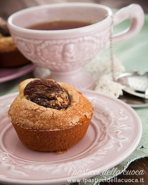 Muffin-con-mandorle-e-albicocche_tazza rosa