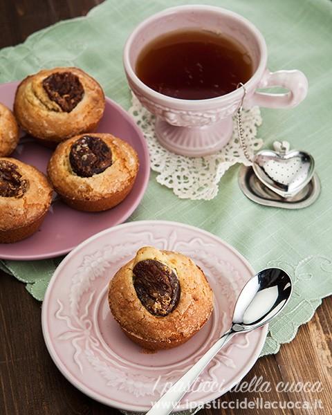 Muffin-con-mandorle-e-albicocche_tazza da the rosa