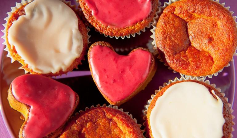 muffins ai cachi e succo d'arancia