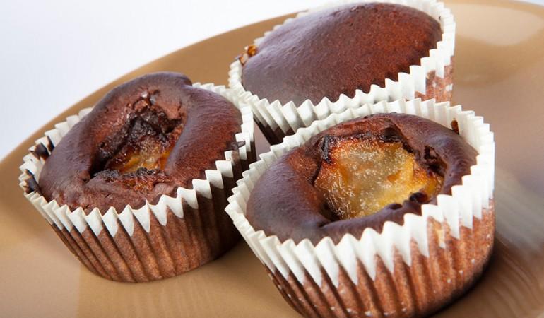 muffin-con-cioccolato-e-pere-senza-zucchero-uova-lievito-burro
