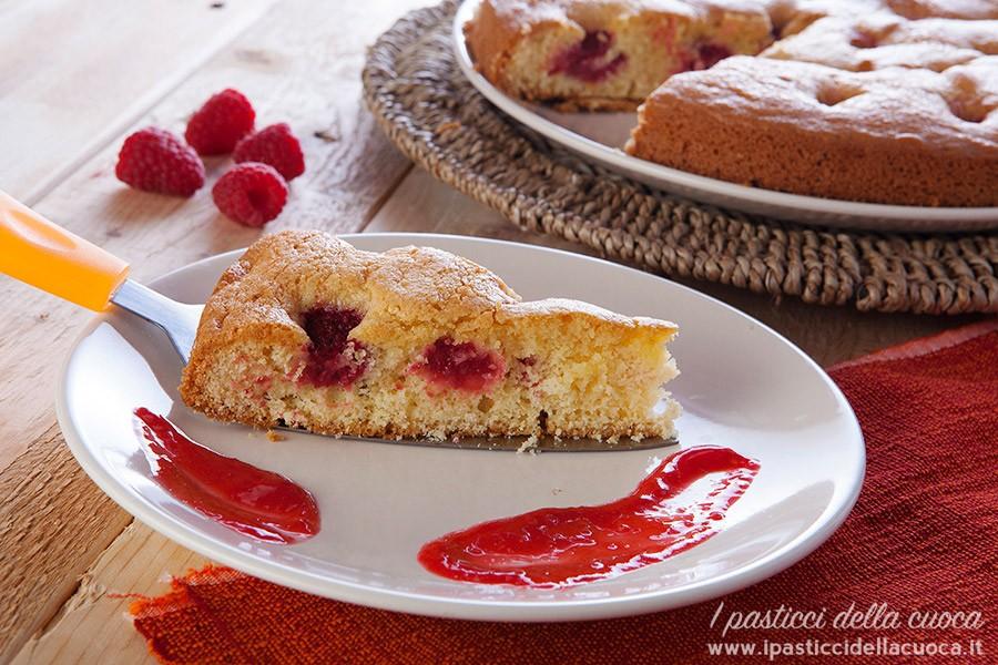 fetta-di-torta-ai-lamponi