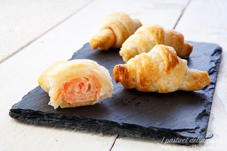 Mini-croissant-al-salmone_aperto
