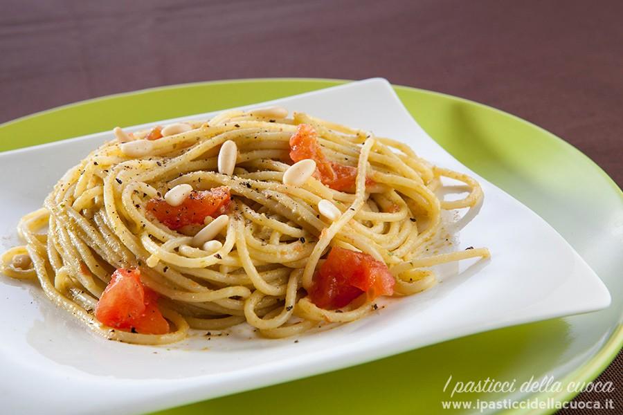Spaghetti-al-pesto-di-lattuga_1