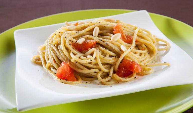 Spaghetti-al-pesto-di-lattuga