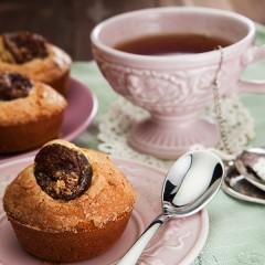 Muffin-con-mandorle-e-albicocche in primo piano