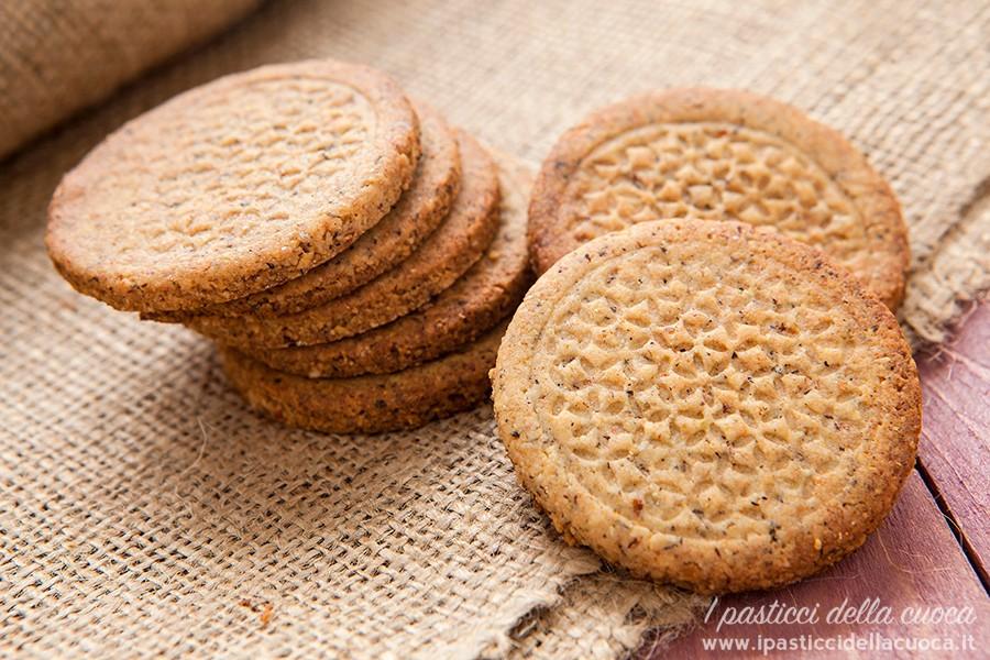 Biscotti al grano saraceno e nocciole