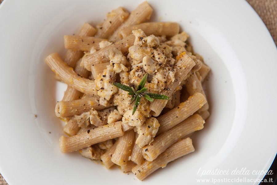 maccheroncini-ragù-pollo_alto