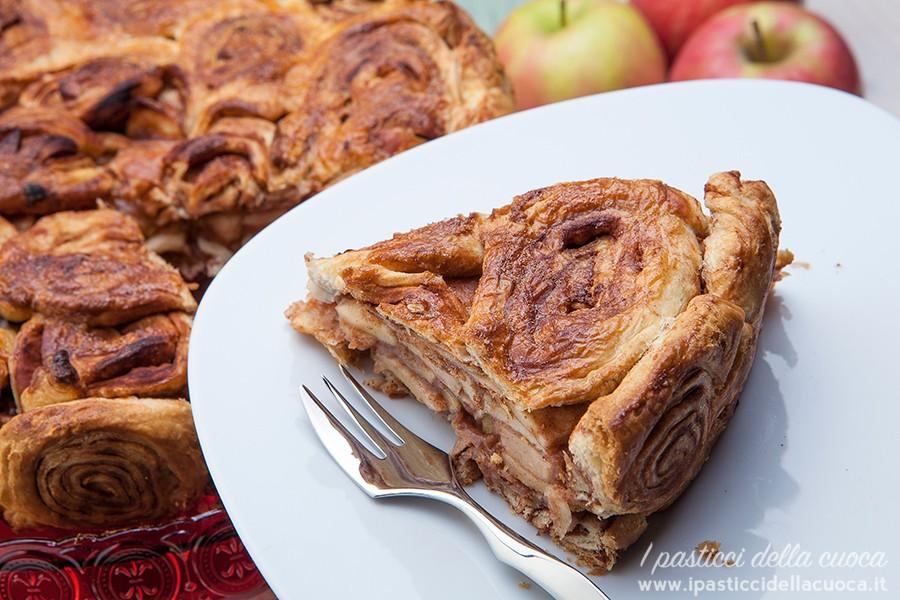 Fetta di torta alla mele e cannella