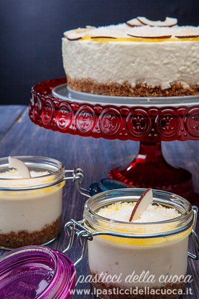 Cheesecake-ala-pina-colada_torta-gramde-e-2-vasetti