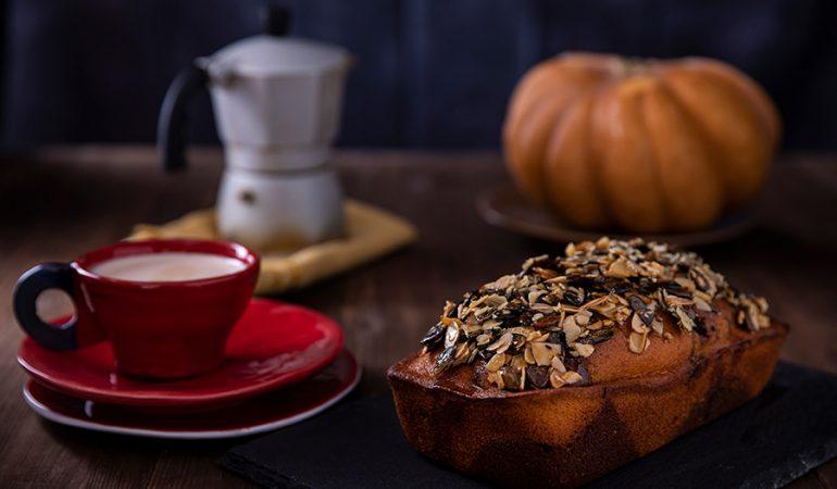 plum-cake-zucca-halloween-evidenza